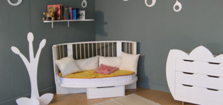 perfect lit bb rond volutif with lit rond bebe. Black Bedroom Furniture Sets. Home Design Ideas