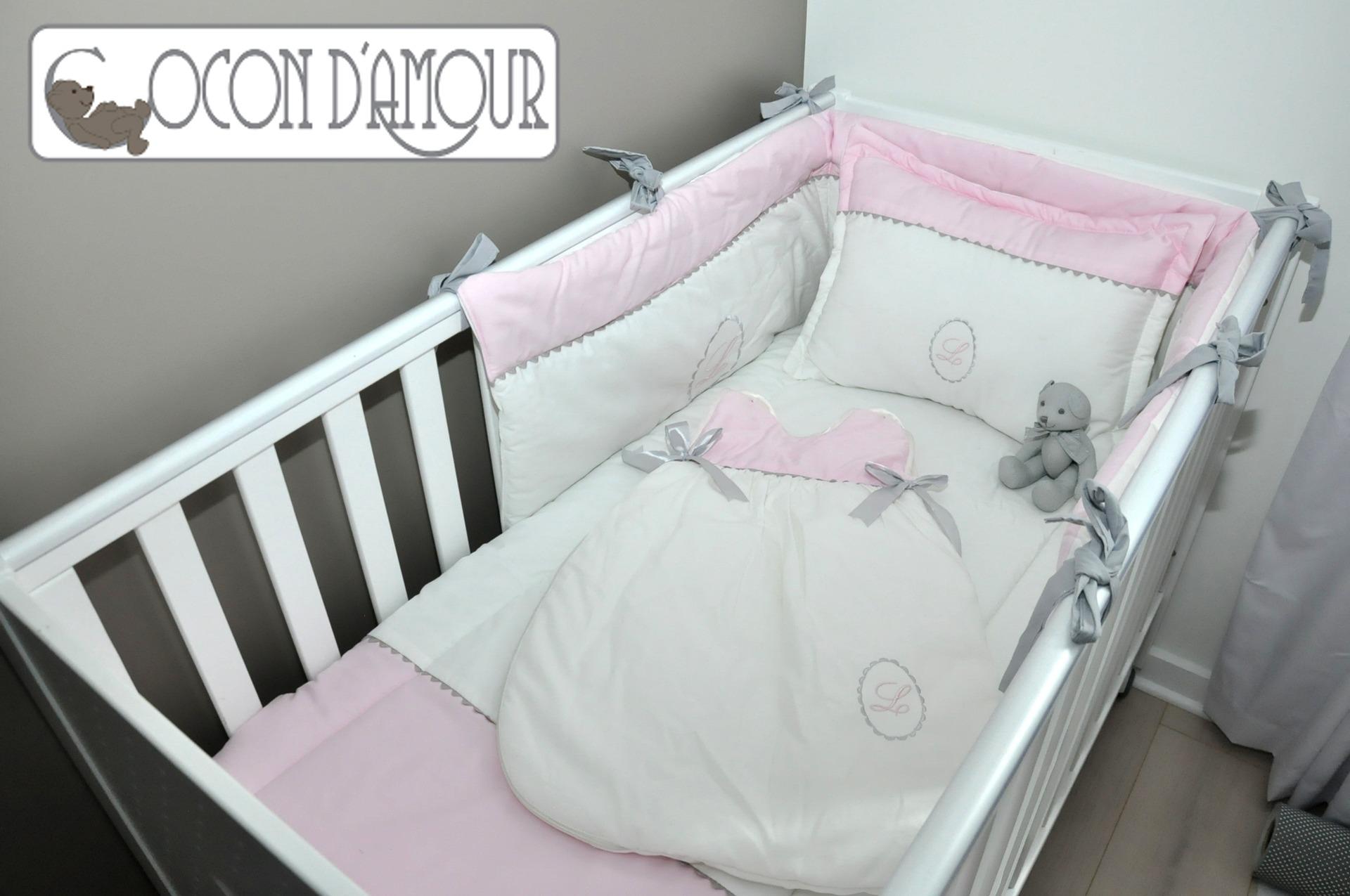 874c7fd943189 Tour de lit bebe fille rose gris - Modèle de tricot gratuit