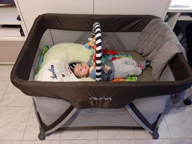 parc lit pliant bebe pi ti li. Black Bedroom Furniture Sets. Home Design Ideas