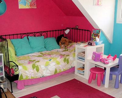 chambre de fille de 12 ans pi ti li. Black Bedroom Furniture Sets. Home Design Ideas