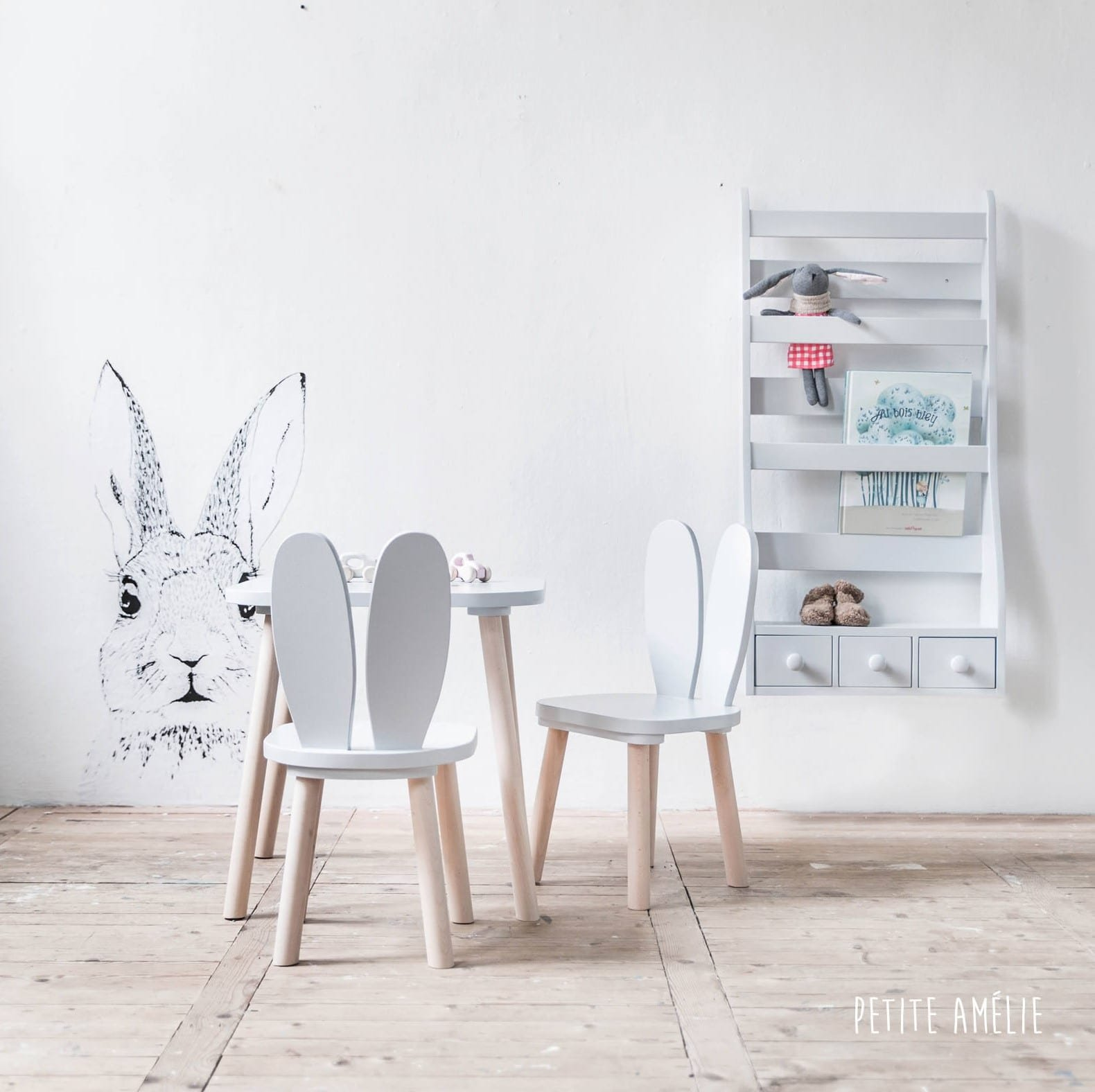 petite table bois enfant pi ti li. Black Bedroom Furniture Sets. Home Design Ideas