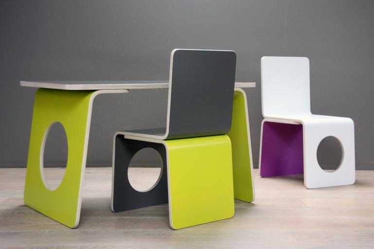 Table et chaise enfant design pi ti li - Table et chaise hello kitty ...
