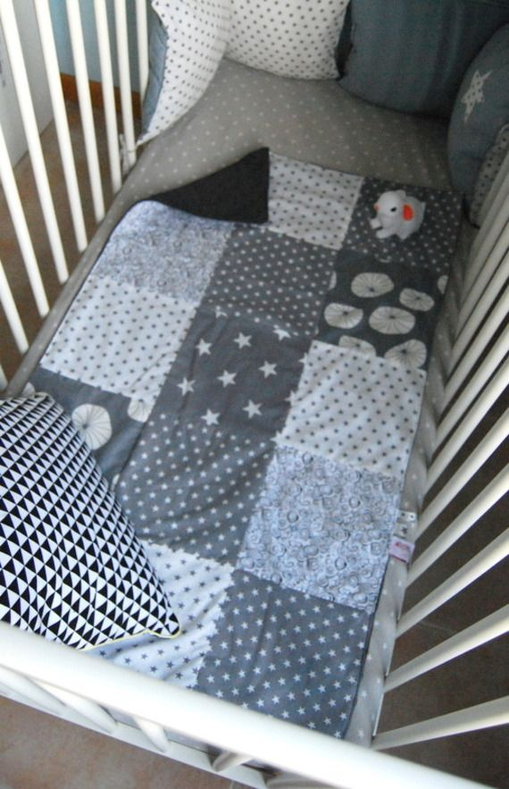 couverture b b patchwork pi ti li. Black Bedroom Furniture Sets. Home Design Ideas