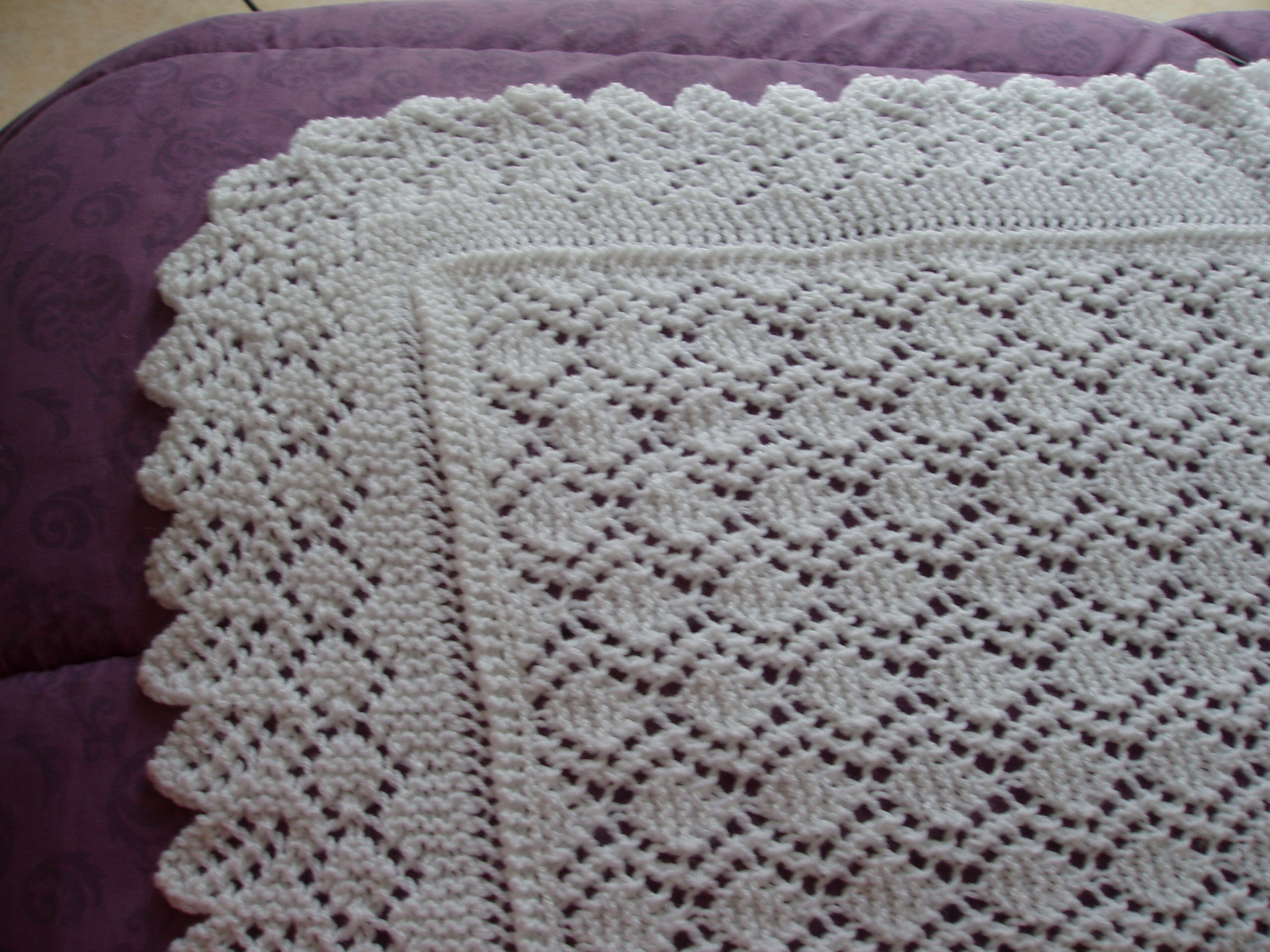 couverture en laine au crochet pour bebe pi ti li. Black Bedroom Furniture Sets. Home Design Ideas