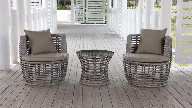 Petite table avec chaise pi ti li for Petite table avec chaise