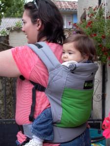 Voici la sélection d écharpe de portage bébé pour vous      8b9cc6a0411