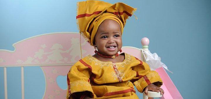 716f2ac99e4 Voici la sélection d écharpe de portage bébé pour vous     . Boubou africain  bebe