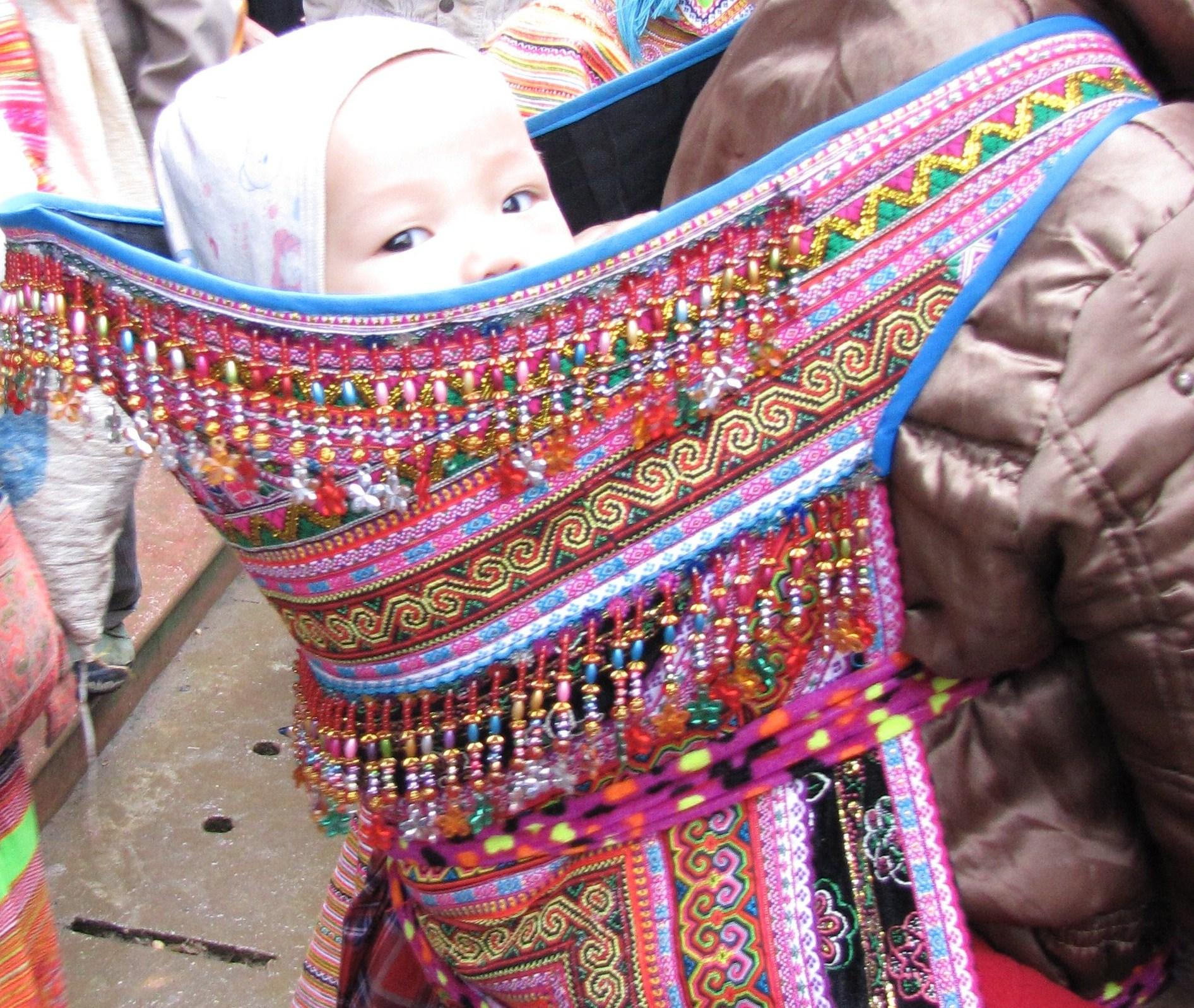 aaa20884bb0 Porte bébé tissu africain - pi ti li